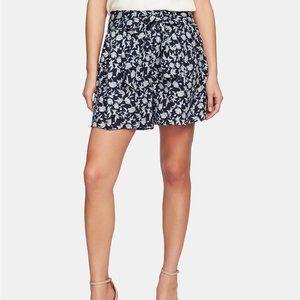 NWT CeCe Printed Tie-Waist Shorts